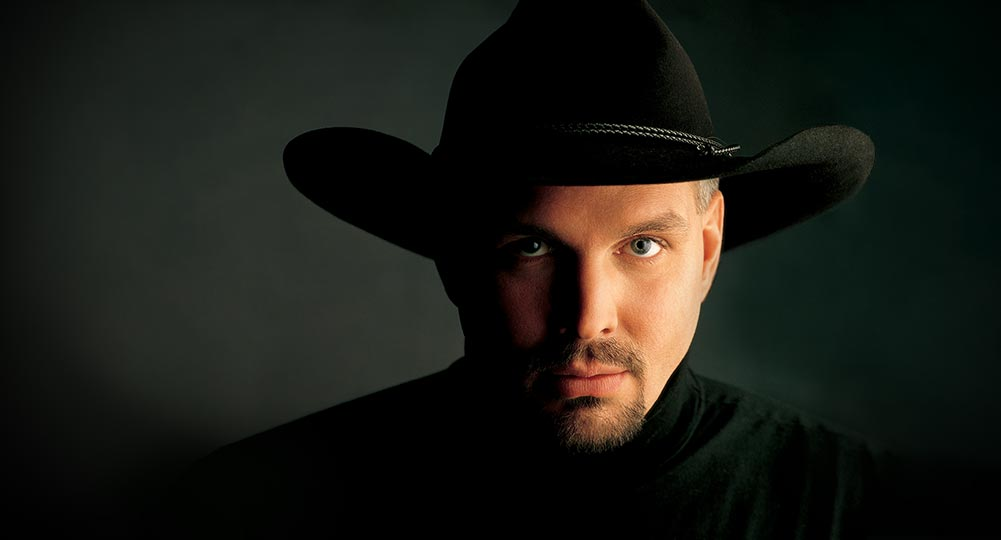 Who Is Touring With Garth Brooks